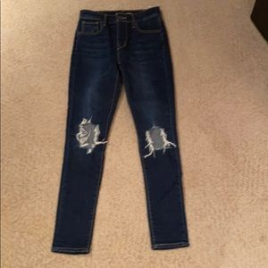Levi's 721 High Rise Skinny Jeans Busted Knees 26